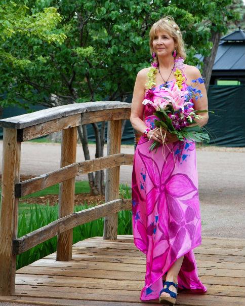 Bobbe Lykins beach wedding dress