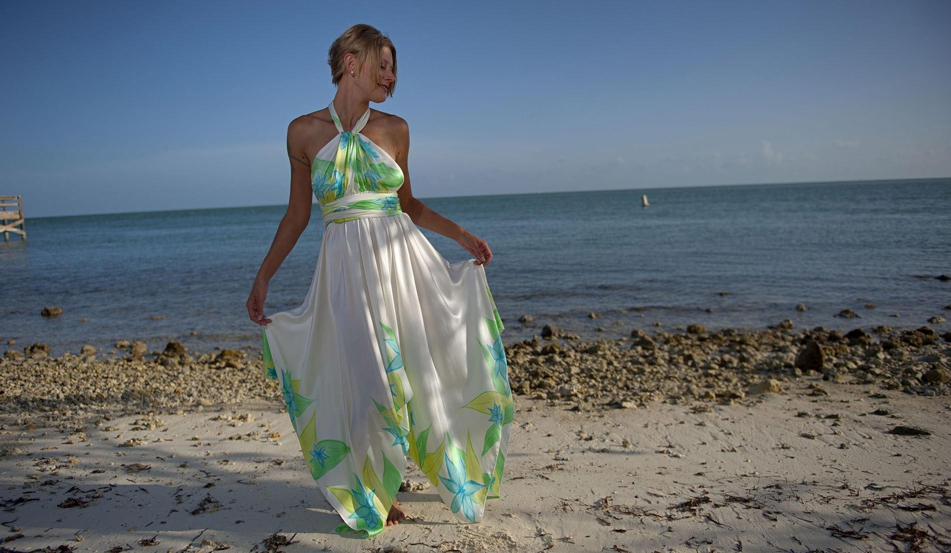 Wedding dresses for destination weddings marilyn for Wedding dress for destination wedding