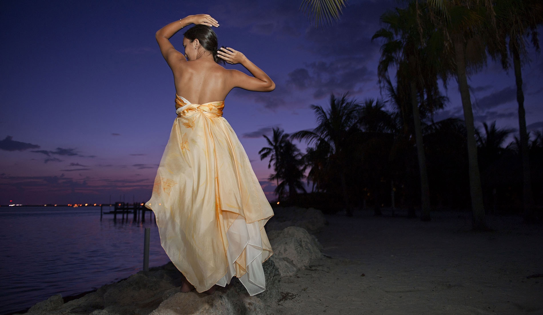 Convertible Beach Inspired Wedding Dresses - Look 2 back