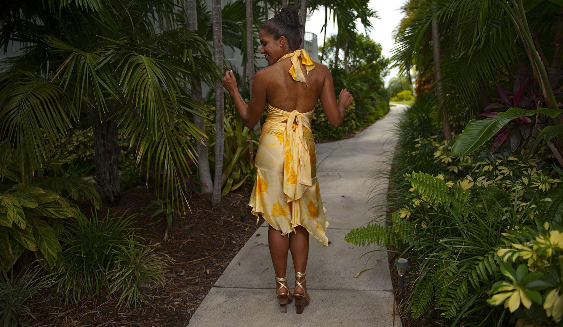 Swrrtheart Halter Handkerchief Hemline Bridesmaid Destination Skirt Ensemble - Puerto Rico - Look 3 back