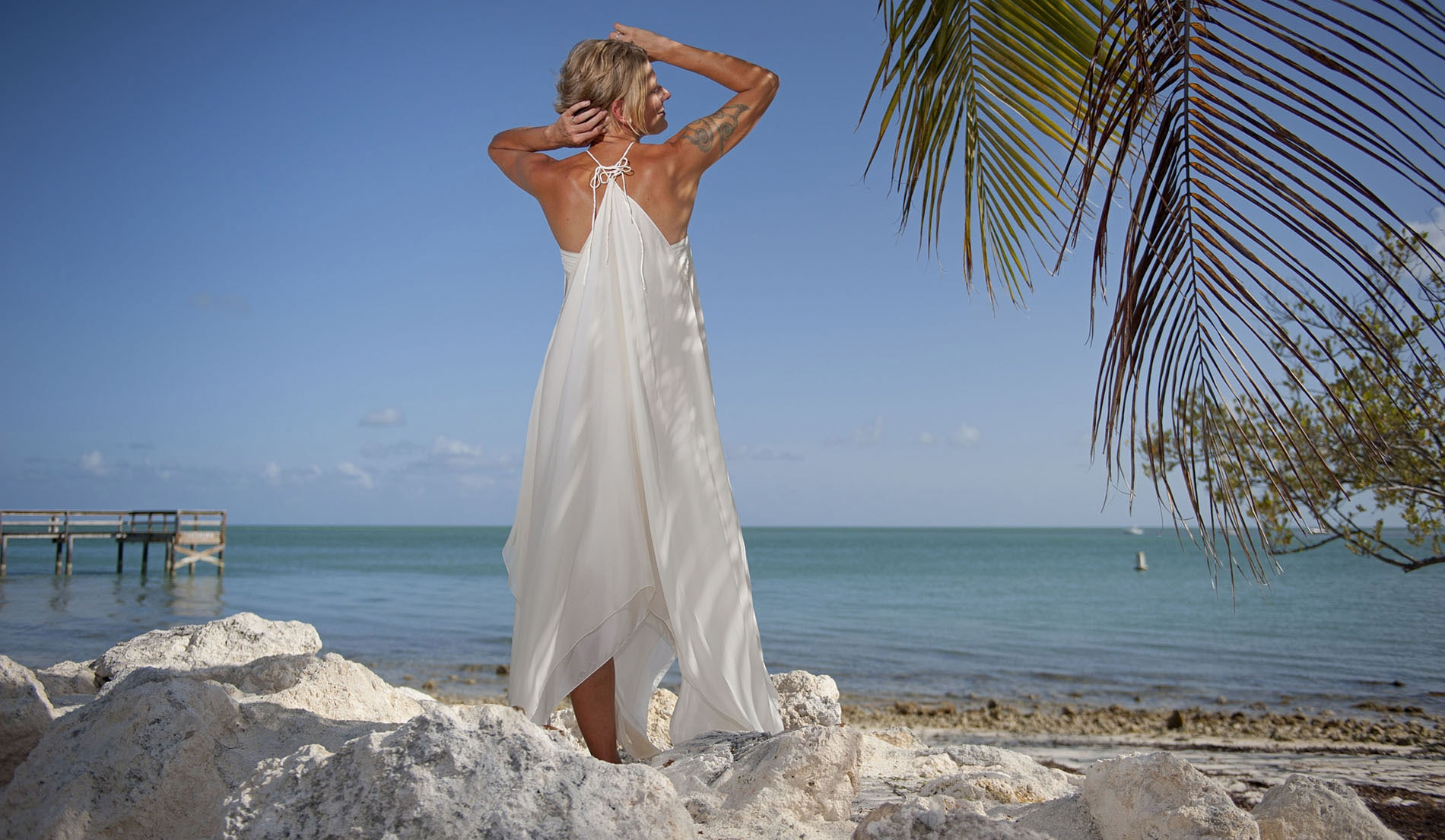 Second Marriage Wedding Dresses Beach with Choker - look 3 back