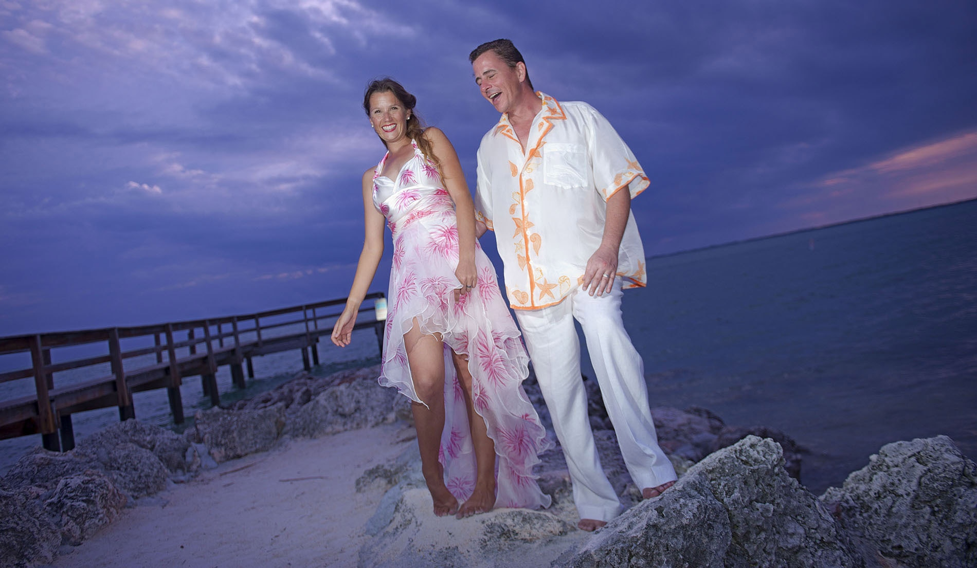 C 011 ALOHA SHIRTS LOOK 4 WITH BRIDE PERFECT BEACH WEDDING ATTIRE GROOM GROOMSMEN COMPLIMENTARY COLOR PALETTEDSC 0687 - mens beach wedding attire pictures