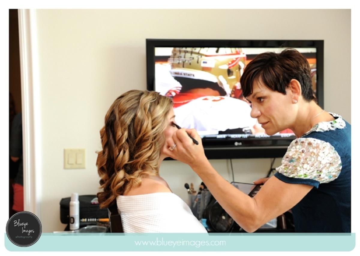 Blue Eye Images - Tropical Makeup Tips