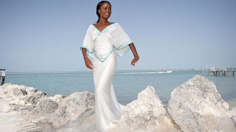 Beach Wedding Dress Ideas to Calm 4 Common Body Insecurities