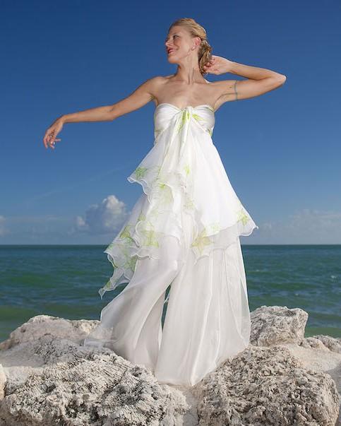 Ideas For Beach Wedding Dresses: Beach Wedding Dress Ideas To Calm 4 Common Body