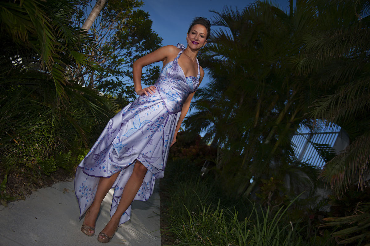 003_Seychelles_Look_2_front_chic_convertible_high_end_resort_wear_hi-low_hemline_DSC_2273