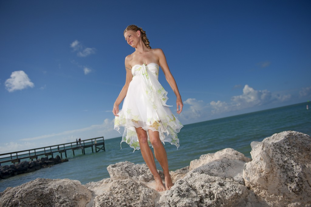 001_Maribelle_Look_1_front_romantic_short_beach_wedding_dresses_strapless_DSC_9282