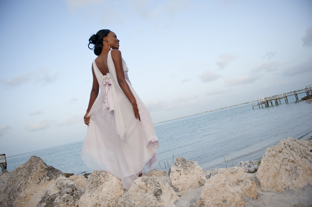 002_Patricia_Look_1_back_simple_beach_wedding_dress_defined_waist_train_DSC_2459