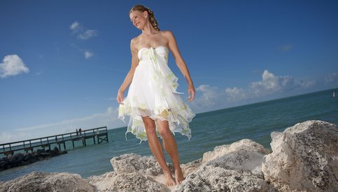 rsz_001_maribelle_look_1_front_romantic_short_beach_wedding_dresses_strapless_dsc_9282