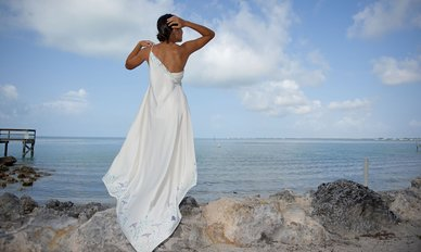 rsz_002_naomi_look_1_back_one_shouldered_tropical_wedding_dresses_cinched_waist_dsc_2341