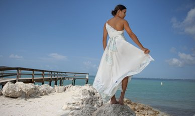 rsz_009_naomi_look_4_back_one_shouldered_tropical_wedding_dresses_asymmetric_waist_dsc_2672